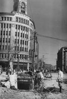 「爆弾の穴 五丁目角」画像