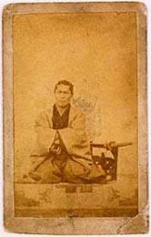 近藤勇肖像写真パネル (佐藤彦五郎子孫蔵 写真提供: 日野市ふるさと博物館)