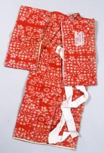赤地格子桜楓紋様着物 1910年(明治43)