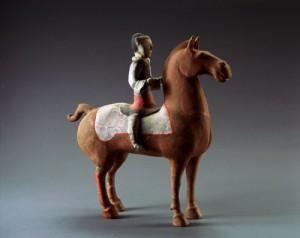 「彩色騎馬俑(さいしききばよう)」 前漢時代 前2世紀 漢陽陵考古陳列館蔵