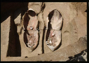 《巨大甕棺墓》