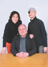 (左)作曲家 権代敦彦 (中央)芸術監督 ローラン・テシュネ (右)ダンサー 伊藤キム