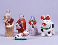 今戸土人形 もちつきうさぎ、 春駒、 丸〆猫、異人さん、犬   昭和前期 資料番号:10000021,14,18,28,16