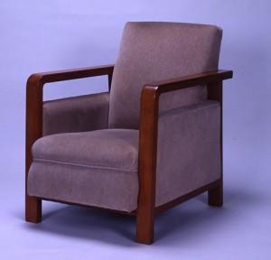 肘掛け椅子 岸田日出刀設計 1931年 江戸東京博物館蔵