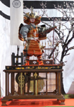 弓射り武者人形の画像